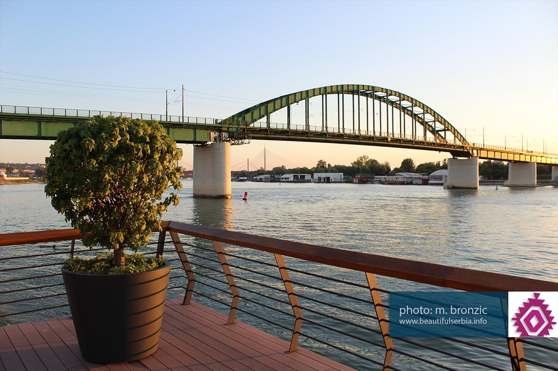 tramvajski most Da li ste znali da su beogradski savski mostovi jedinstveni u svetu – baš svi!