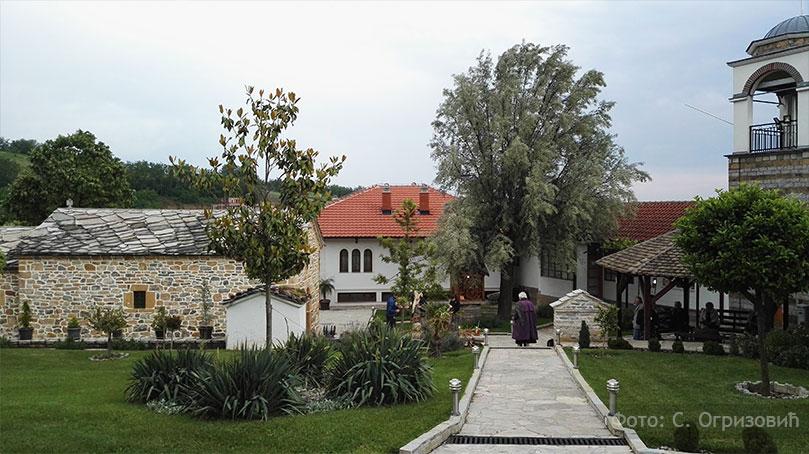 """zociste manastir Косово и Метохија 2016: """"Зеница ока мога гнездо је лепоти твојој"""""""